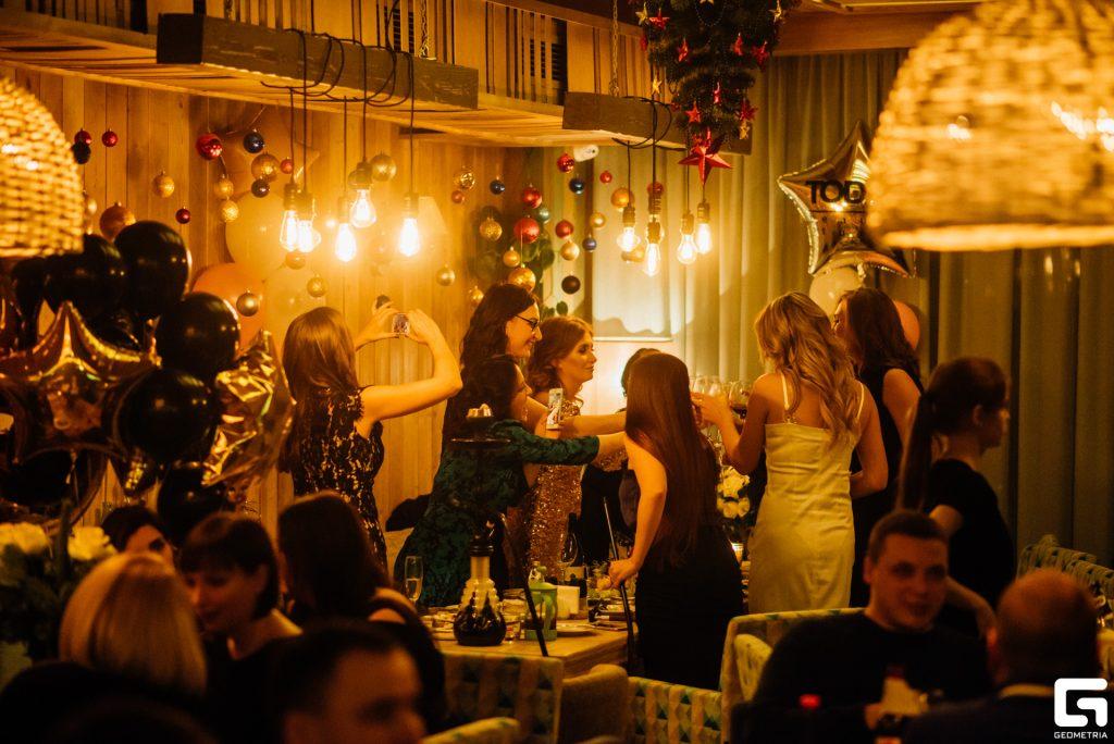 Москва клуб в твери вакансия официант в ночных клубах москвы